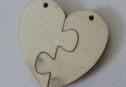 BE1316 Blank Wood Pendant, Split Heart Shape Pk50